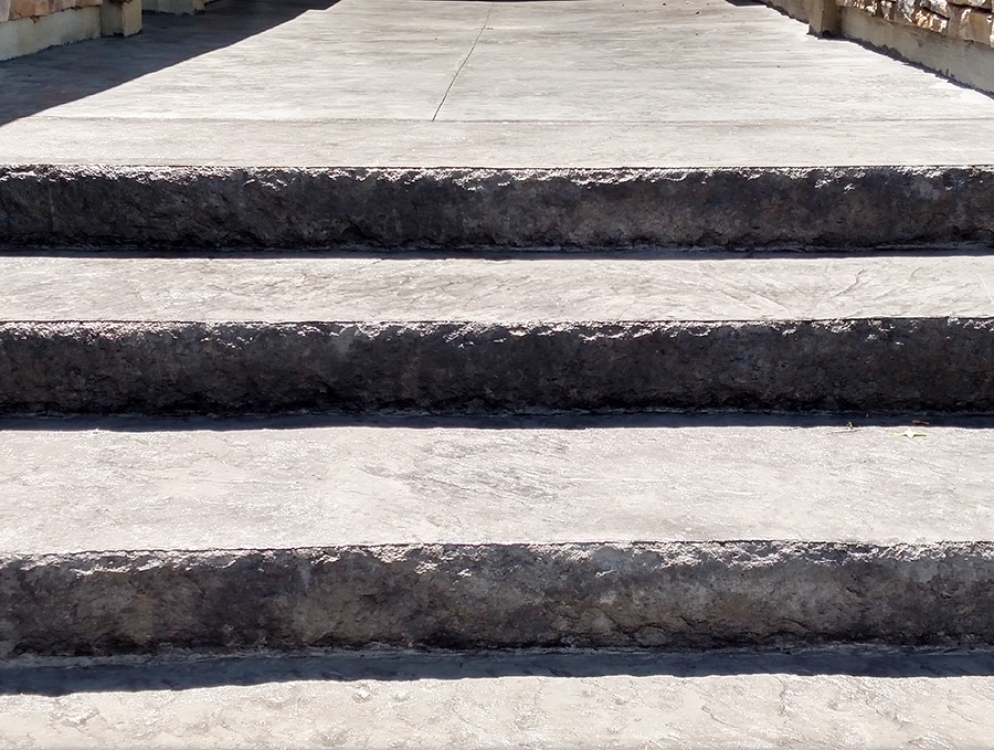 edge view of stamped concrete steps
