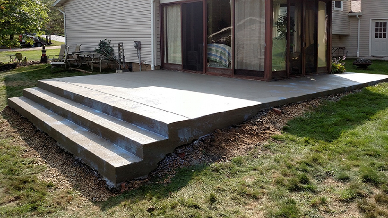 rear patio with steps